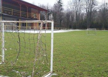 Foto č. 2- Stadiony zejí prázdnotou - Choryně