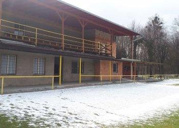 Foto č. 3- Stadiony zejí prázdnotou - Choryně
