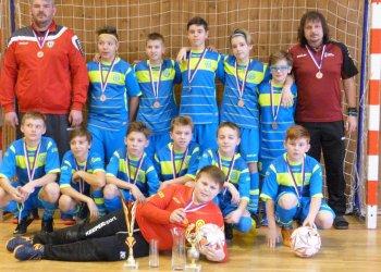 Foto č. 1- Mladší žáci Rožnova vyhráli Zimní ligu Ládi Štěpána